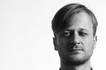 """Martin Siničák namlouvá audio knihu / detektivku """"Na dveře klepe smrt"""""""