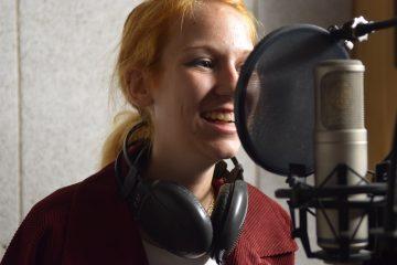 Mladá zpěvačka Kristýna